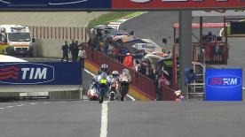 Jonas Folger encabeçou o treino de Moto3™, o primeiro momento de acção em pista do Grande Prémio de Itália TIM na manhã de sexta-feira. O piloto da Mapfre Aspar Team Moto3 terminou à frente do líder do Campeonato Maverick Viñales e do wildcard Andrea Locatelli.