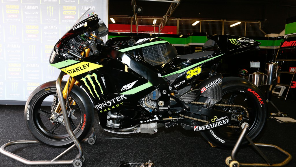 Crutchlow bike, Monster Yamaha Tech 3, Test Catalunya