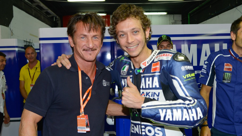 Sean Penn, Valentino Rossi, Yamaha Factory Racing Garage, Montmelo RAC