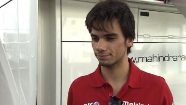 Oliveira follows Viñales to analyse lines