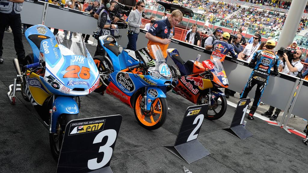 Moto3, Parc ferme