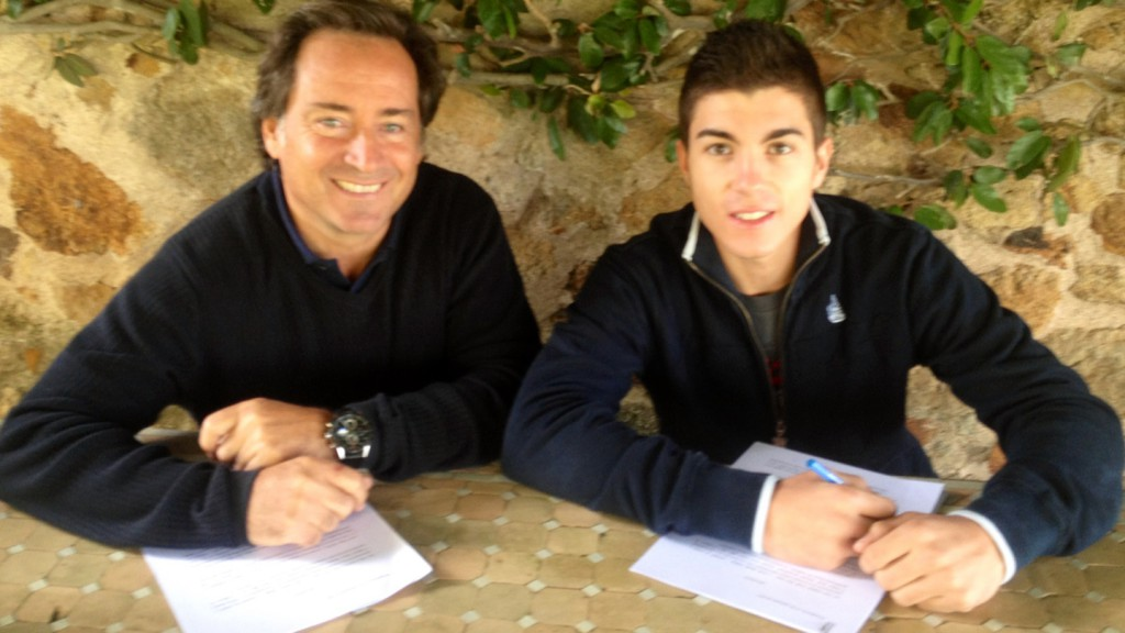 Sito Pons & Maverick Viñales sign 2014 Moto2 deal