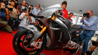 Honda RCV1000R's pace revealed in Valencia