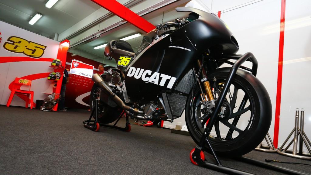 Crutchlow´s  Desmosedici, MotoGP Valencia Test