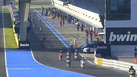 O Grande Prémio bwin de Espanha começou nesta sexta-feira de manhã com Isaac Viñales (Calvo Team) a liderar o pelotão da Moto3™ na FP1, seguido de Alex Márquez (Estrella Galicia 0,0) e Jakub Kornfeil (Calvo Team).