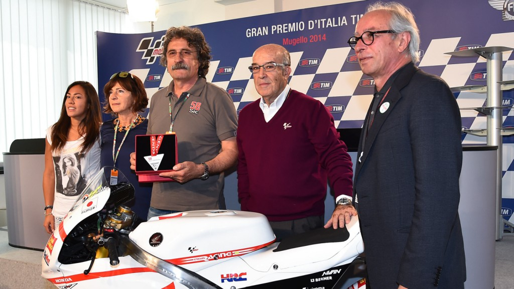 Marco Simoncelli honoured as MotoGP™ Legend