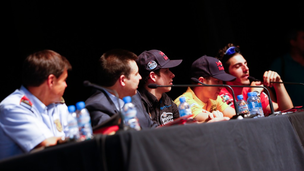 Viñales, Marquez and Pons give tips for safe driving