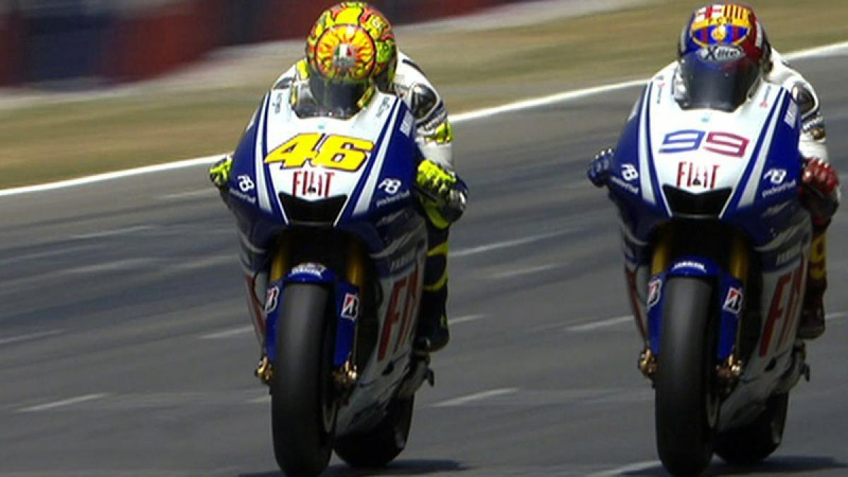 Free Video: Rossi vs Lorenzo at Catalunya | MotoGP™