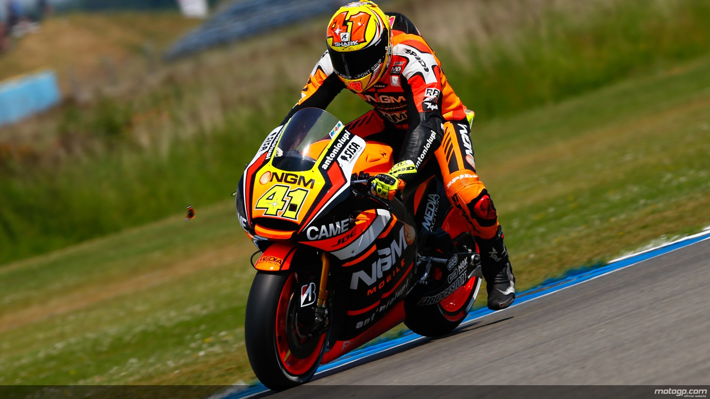https://photos.motogp.com/2014/06/26/41espargaro,gpassen_ds-_s1d3884_original.jpg