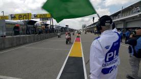 Jack Miller (Red Bull KTM Ajo) ha sido la referencia en la segunda sesión de entrenamientos del Gran Premio eni Motorrad de Alemania en Moto3™. El líder del Campeonato, que ya había sido el más rápido en la FP1, deja el mejor crono del día, por delante de Alexis Masbou y Danny Kent.