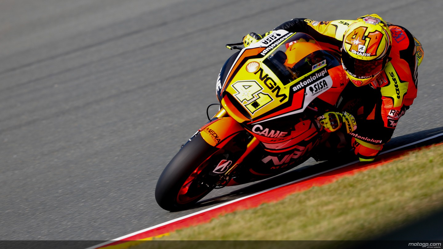 https://photos.motogp.com/2014/07/11/41espargaro,gpalemania_ds-_s5d5071_original.jpg