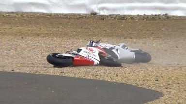 Silverstone 2014 - Moto2 - FP3 - Action - Tetsuta Nagashima and Azlan Shah - Crash