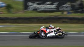 Phillip Island 2014 - Moto2 - QP - Action - Sam Lowes - Thitipong Warokorn - Crash