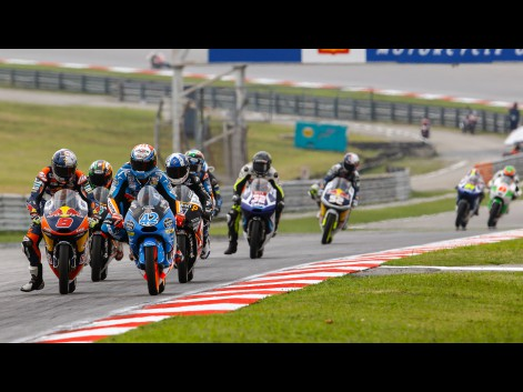 Moto3-Action-MAL-RACE-580476
