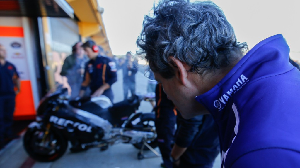 Movistar Yamaha technician, MotoGP Valencia Test