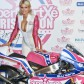 Paris Hilton präsentiert in Madrid 125ccm-Team