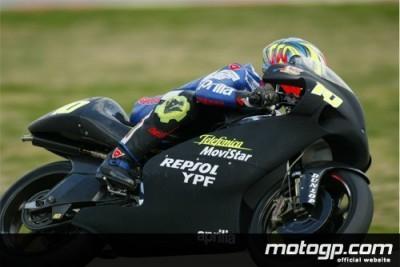 Fonsi Nieto empieza marcando la pauta en los 250cc