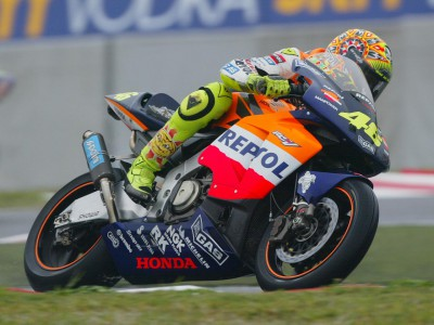 Rossi takes first win in inaugural MotoGP World Championship