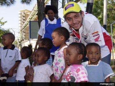 Rossi visits Aids-babies at Morning Star Children´s centre