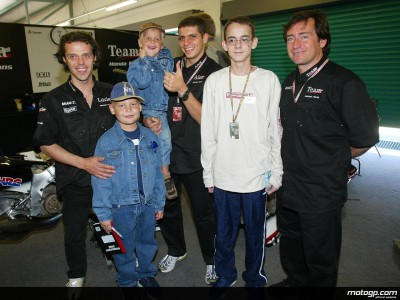 Des enfants de la Dream Foundation visitent le paddock de Welkom