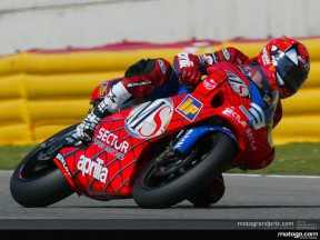 Melandri steals provisional pole after excellent performance from Porto
