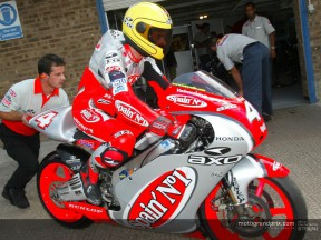 Rolfo honours Joey Dunlop at Donington