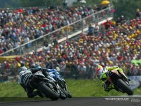 MotoGP attendances grow 10% in first half of 2002 season