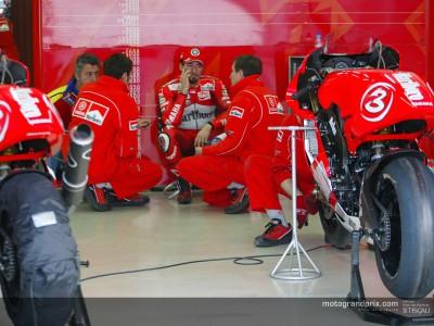MotoGP teams continue work at Brno