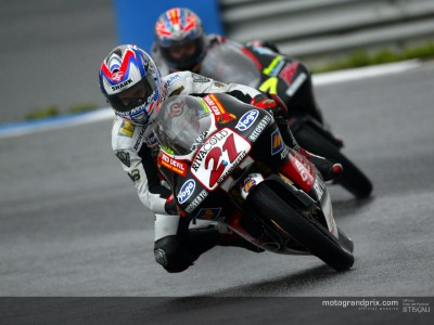 Vincent wins crash-strewn wet race in Estoril