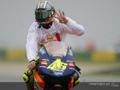 Valentino Rossi interviewed after securing the MotoGP title