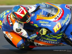Fonsi Nieto snatches last gasp pole from Melandri