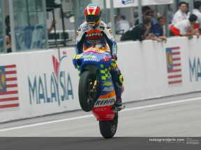 Fonsi back in title chase after winning in Sepang