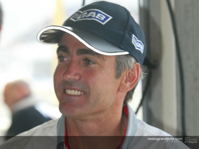 Mick Doohan watches the Gauloises Malaysian Motorcycle Grand Prix from home