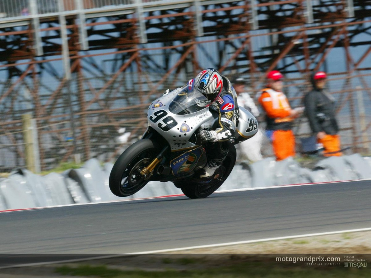 McWilliams takes second pole at Phillip Island