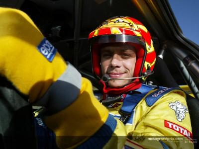 Valentino Rossi si prepara al debutto nel Rally della Gran Bretagna