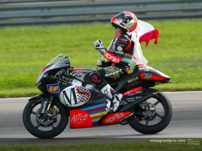 Melandri wraps up successful season with another win