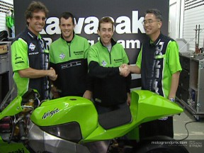 Garry McCoy gets first taste of 4-stroke with Kawasaki in Valencia