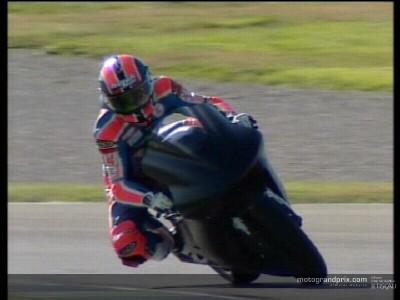 First footage of Melandri on the Yamaha M1