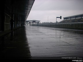 Rossi takes a rain check at factory tests in Jerez