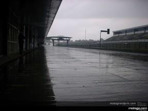 Rossi evita rodar bajo la lluvia en la primera jornada de test en Jerez