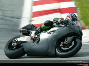 Kawasaki riders slash times in Sepang