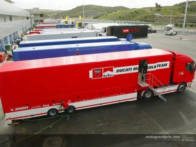 MotoGP teams set up for IRTA test