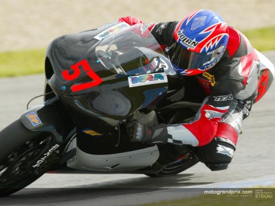 Davies hoping to shake off illness as he heads for Estoril