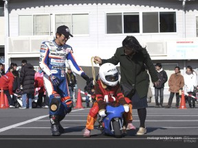 Nobby Ueda shows young riders the way in the Pocket Bikes school of Takuma Aoki