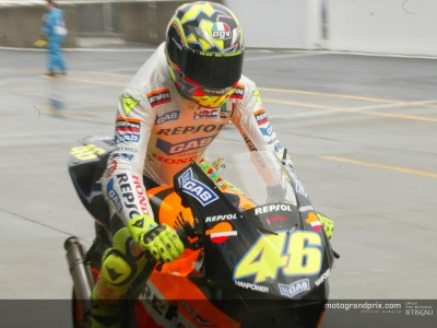 Rossi maintains pole at wet and windy Suzuka
