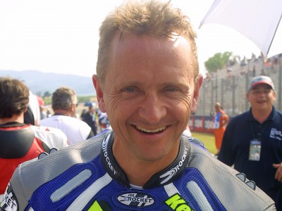 Schwantz injures hand in supermoto crash