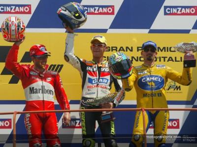 Rossi sul gradino più alto di un podio tutto italiano