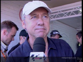 Mark Knopfler gets into the swing of MotoGP