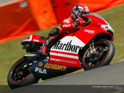 Capirossi heads unofficial time sheets in large Brno group test