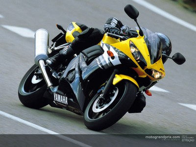 Third chance to win a racing helmet and a Yamaha R6 in KNOWITALL